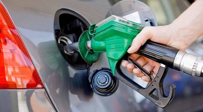 GECE YARISI benzinde 21 kuruşluk indirim