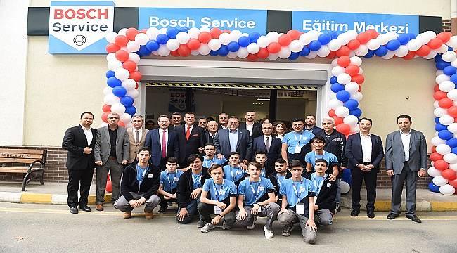 Gençler için açtı: İSTANBUL'DA