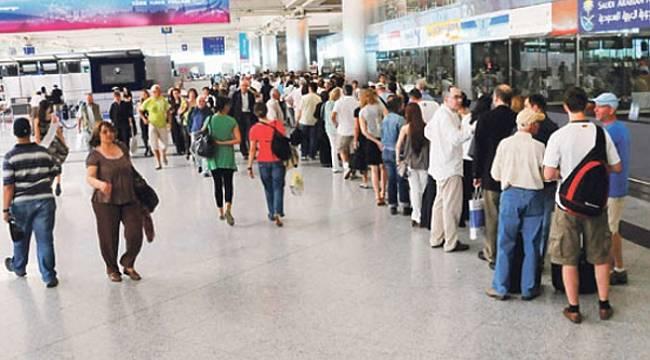 GEZMEYİ SEVİYORUZ: 15 milyon kişi seyahat etti
