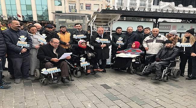 Taksim'da Akülü sandalye şarj istasyonu kurdu