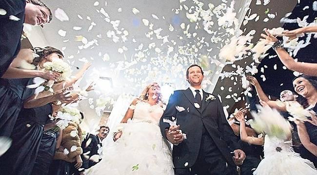Evlenecek çiftlere kredi verilmeli