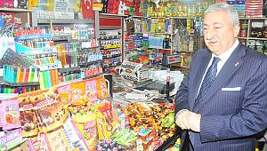 Kredi kartını dolduran vatandaş esnafın dükkanına koşuyor