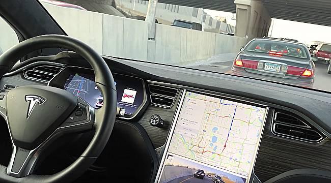 Tesla 2020'de sürücüsüz taksi hizmeti başlatacak