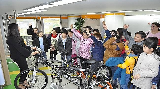 Mersin Toplum Bilgilendirme Merkezi'nin Etkinliklerine Yaklaşık 100 Bin Kişi Katıldı