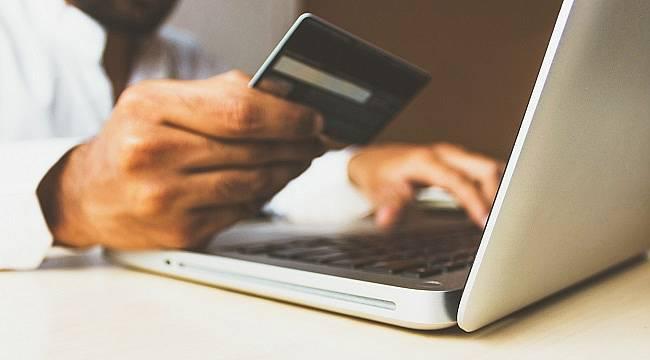 Tüketicilerin Yüzde 44'ü Faturalarını Banka ya da Ödeme Merkezi Gişelerinden Ödüyor