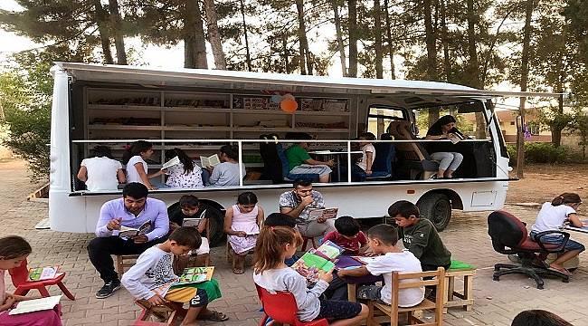 """Sabancı Topluluğu çalışanları: 8 Eylül UNESCO Dünya Okuma-Yazma Günü'nde """""""