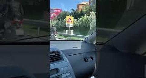 """#koprugecismagdurlari : """"Yasak tabelası yeni kondu"""""""